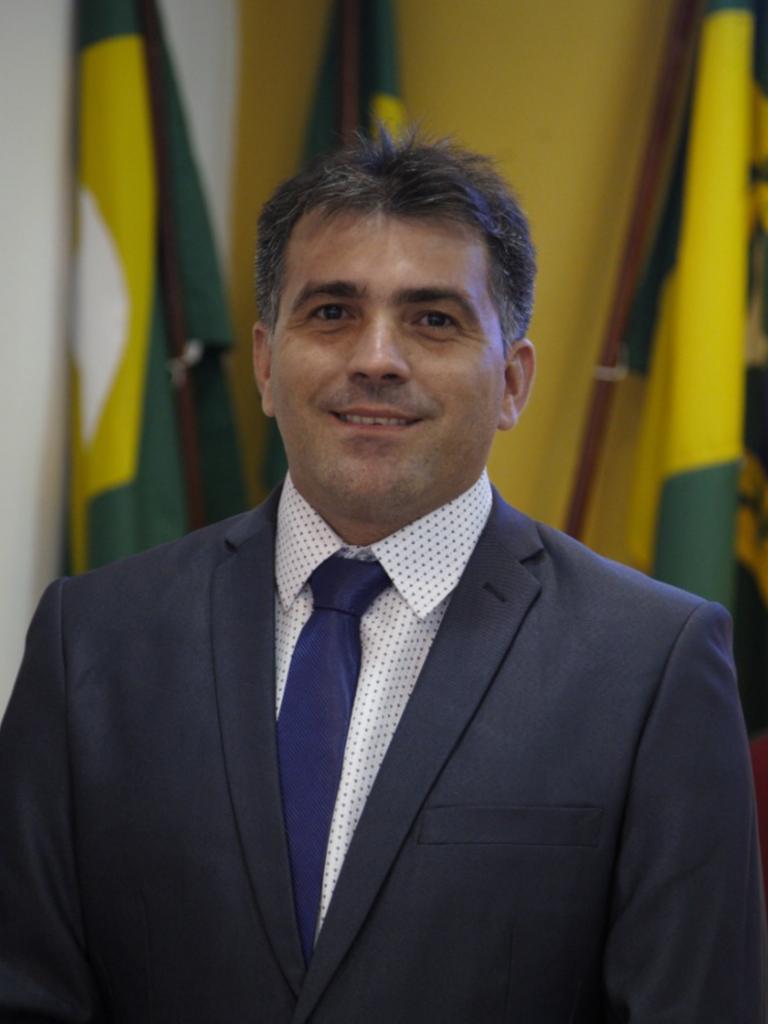 Foto de CESÁRIO JÚNIOR
